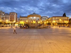 Abendstimmung auf der Plaza del Castillo in Pamplona