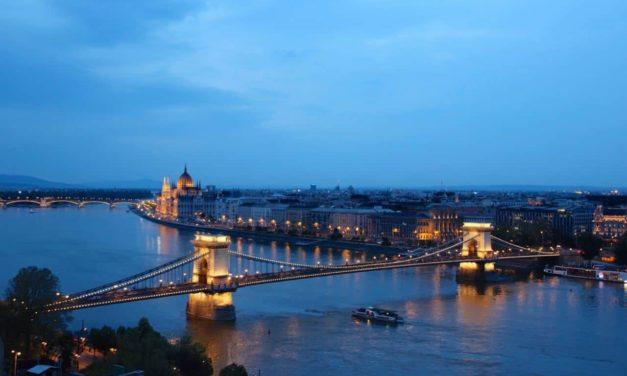 Budapest – bei Tag und bei Nacht