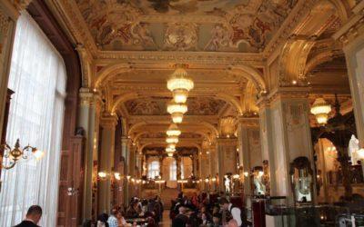 Kaffee und Kuchen in den schönsten Kaffeehäusern Budapests
