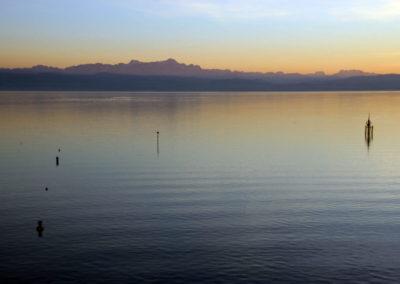 Der Blick auf den Bodensee von Friedrichshafen aus