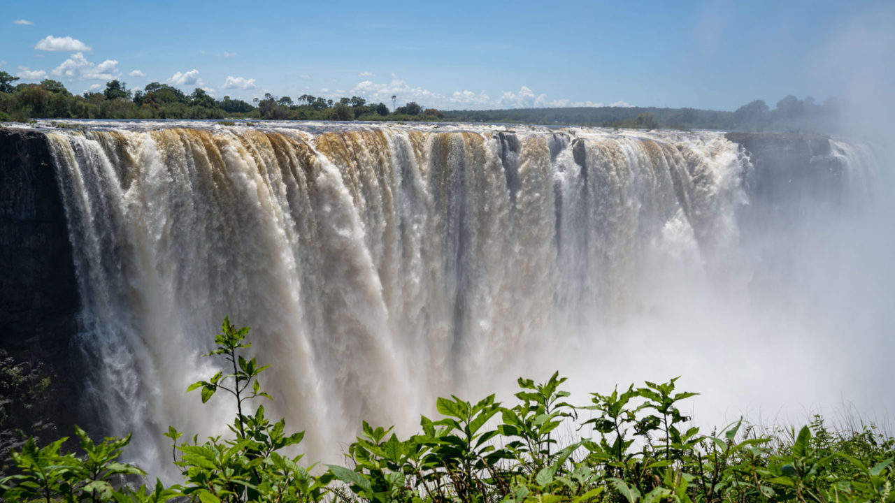 Ein massiver Wasserfall