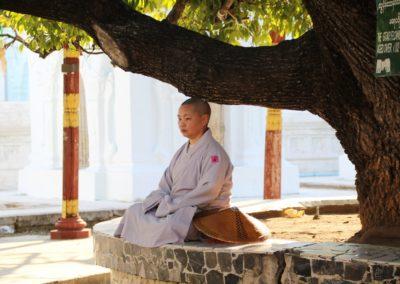 Meditierende Nonne