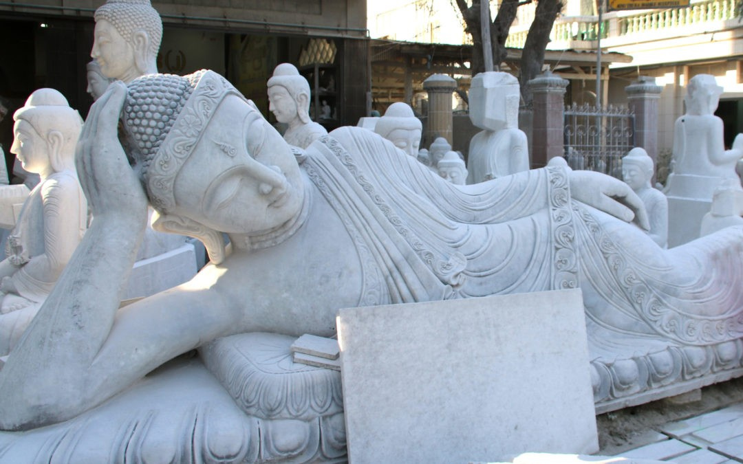 Die Straße der Steinmetze in Mandalay