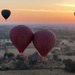 Zwei Ballone berühren sich