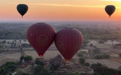 Die küssenden Ballone von Bagan