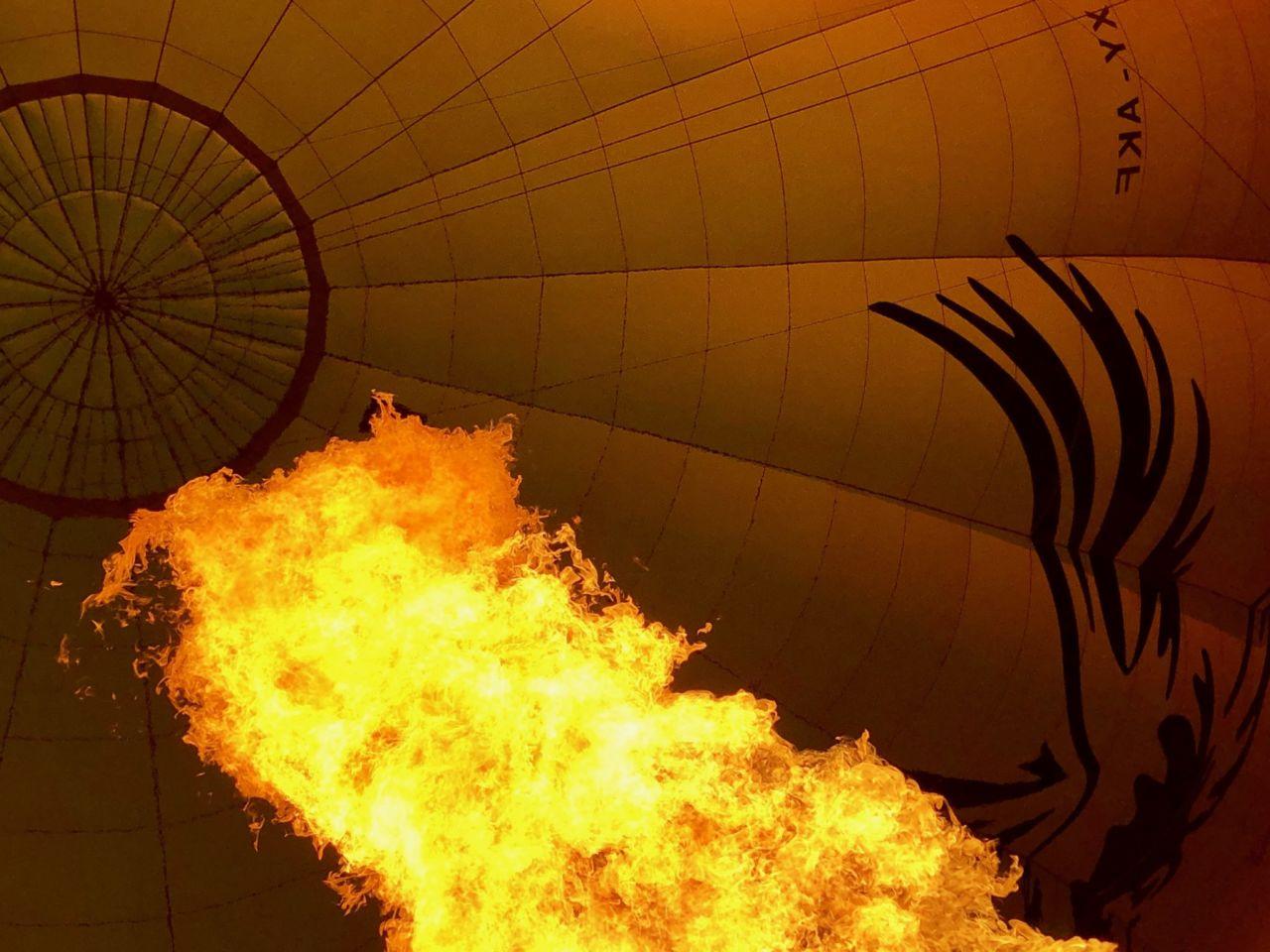 Stichflamme im Ballon