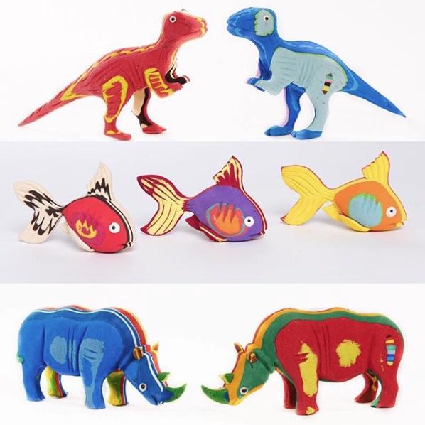 Dinosaurier Fische und Naßhornfiguren